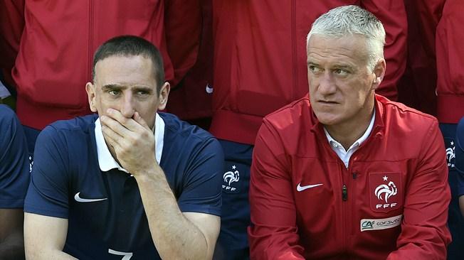 Ribery à côté du sélectionneur Didier Deschamps