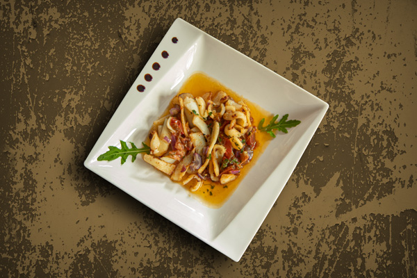 Poêlée de Calamars à la Provençale, mettez du soleil dans votre assiette.