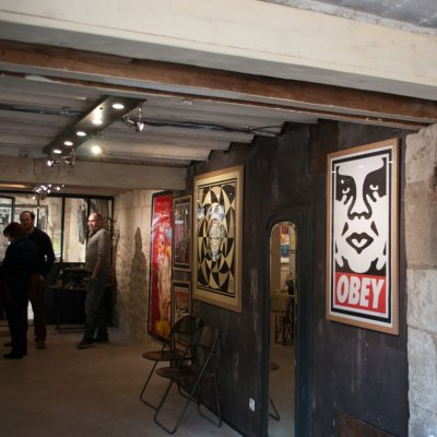 Expo-Street-Art-Le-Terrier-Obey-Giant