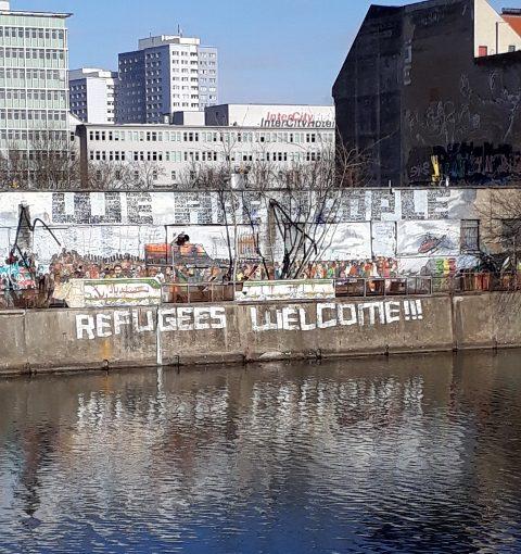 Refugees welcome, berlin, eas side gallery