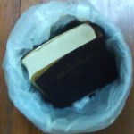ブックオフで売れない辞書を断捨離しないデメリットとは?