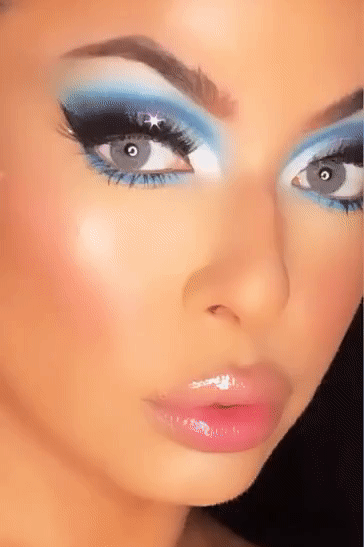 blue shadow, cut crease, doll makeup, makeup artist, so pretty makeup, glittery makeup, makeup inspo, top blue shadow, pigmented eye shadow, how to apply makeup, colorful makeup, makeup of the day, motd, lashes, lashes, brows on fleek, brow inspo, lip inspo