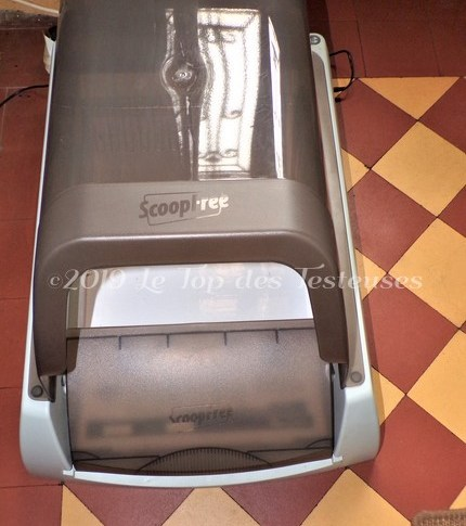 Otis a testé la Litière Auto-nettoyante ScoopFree !!