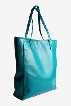 https://www.letote.com/accessories/4655-teal-north-south-tote