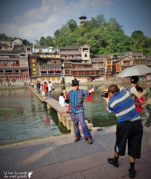Un touriste en pleine action