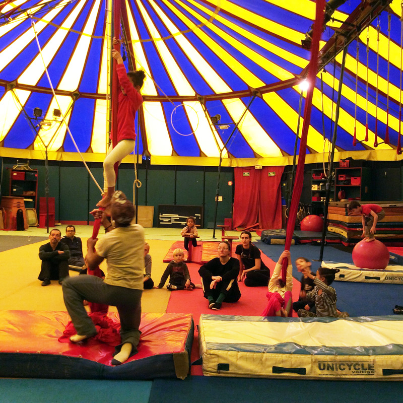 ecole_de_cirque_formation_professionnelle_Paris_cirque_stage_decouverte_enfants_letourdumondeengalipette_Ahmed_Said