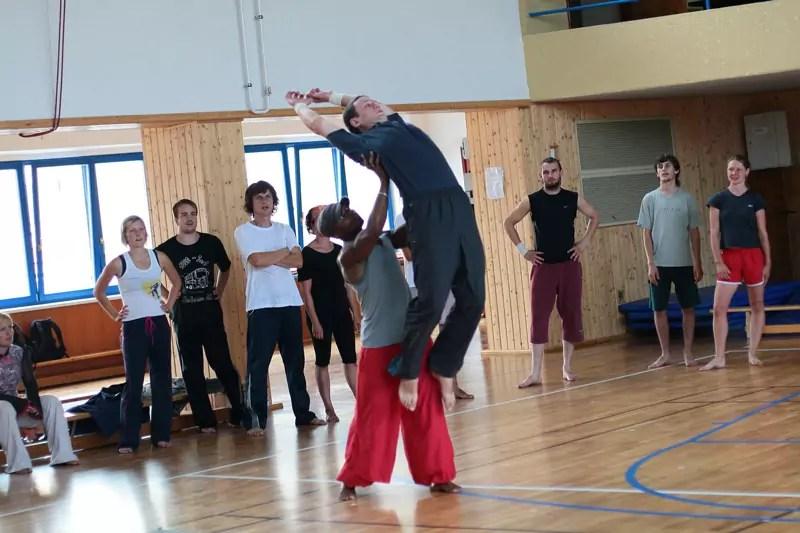 ecole_de_cirque_formations_amateur_Paris_Ahmed-Said_Programme_Pedagogique_Cirque_letourdumondeengalipette