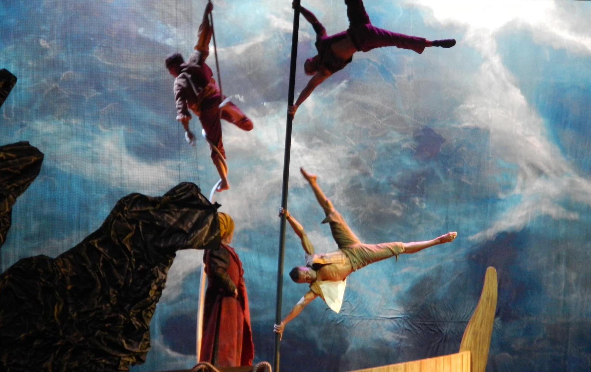 ecole_de_cirque_formations_professionelles_Paris_Ahmed-Said_directeur_acrobate_letourdumondeengalipette