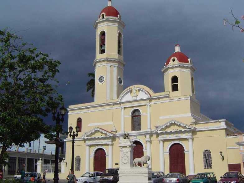 Cúpulas de la Catedral en un día lluvioso