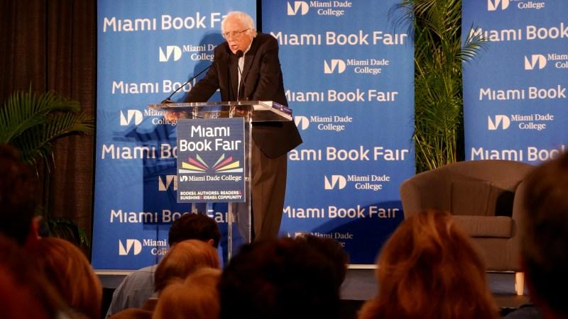 Bernie Sanders, un rayo de luz en la Feria del Libro de Miami | Letra Urbana