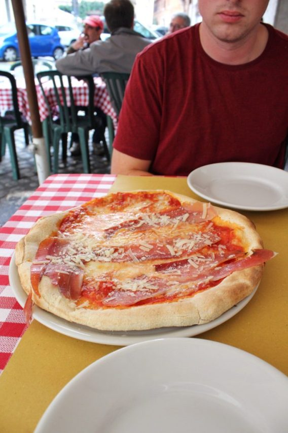 Pizza in Rome Italy