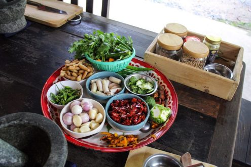 Ingredients to make curry paste