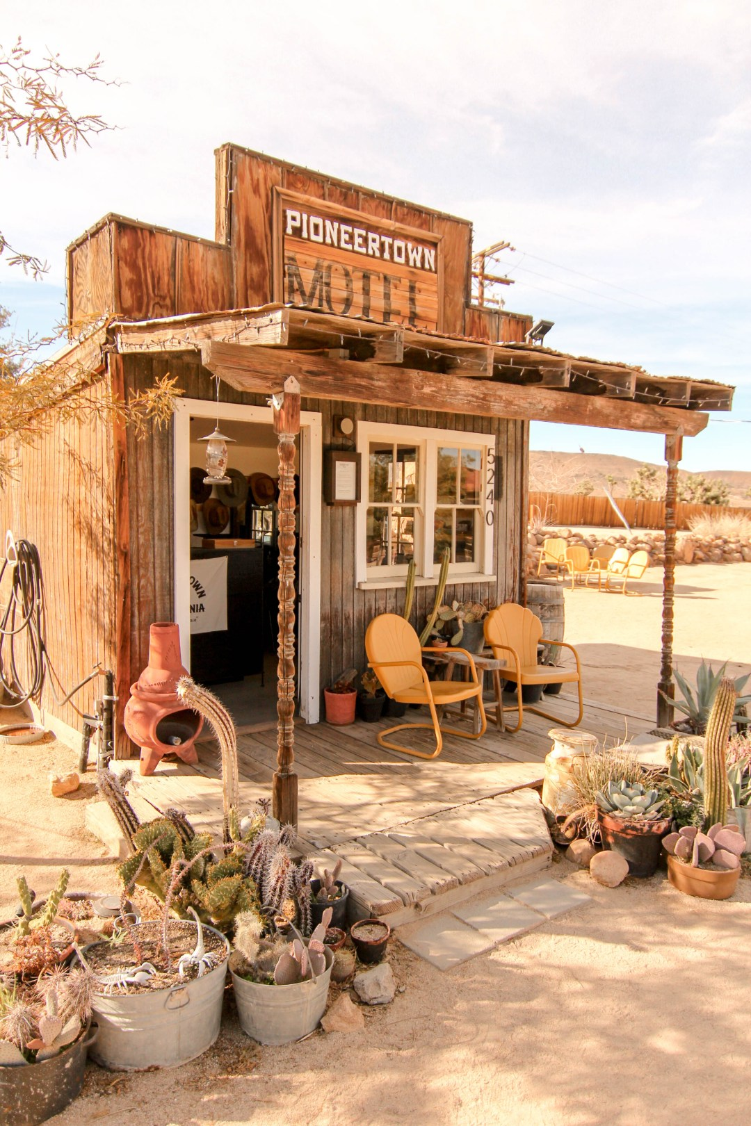 pioneertown motel office