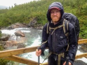 Emil på bron över Ransarån.