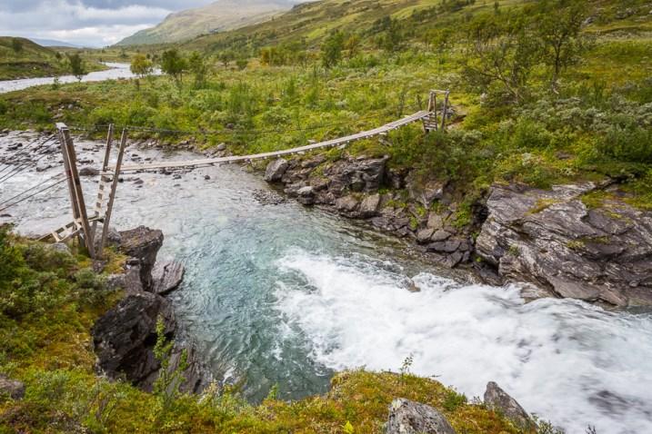 Iselvsbron går högt över Iselva