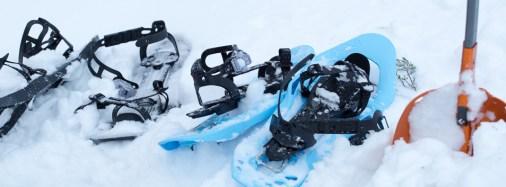 Våra snöskor och spaden