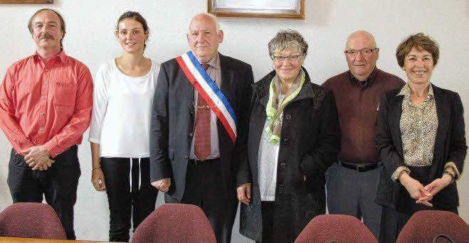 cinq-adjoints-de_1858217