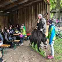 Outdoor Schulunterricht in der Neuen Mittelschule Tösens in Tirol