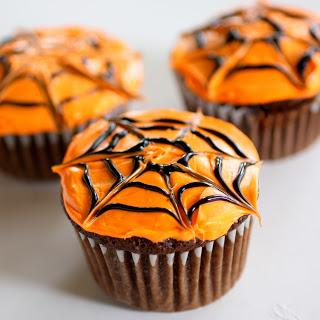 Cupcake s pavučinou - Zdroj: TheGirlWhoAteEverything
