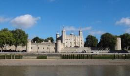 torre londres inglaterra 1200x700 Fazendo turismo em Londres na Inglaterra