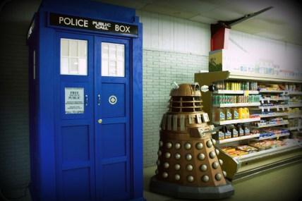 Long Shot Dalek and TARDISa