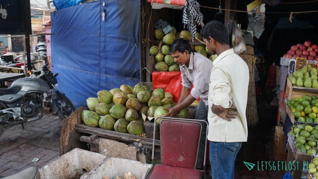Kokosy sprzedawane w Indiach