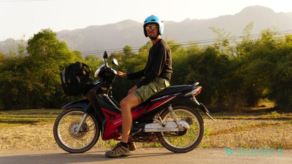 Laos na motocyklu