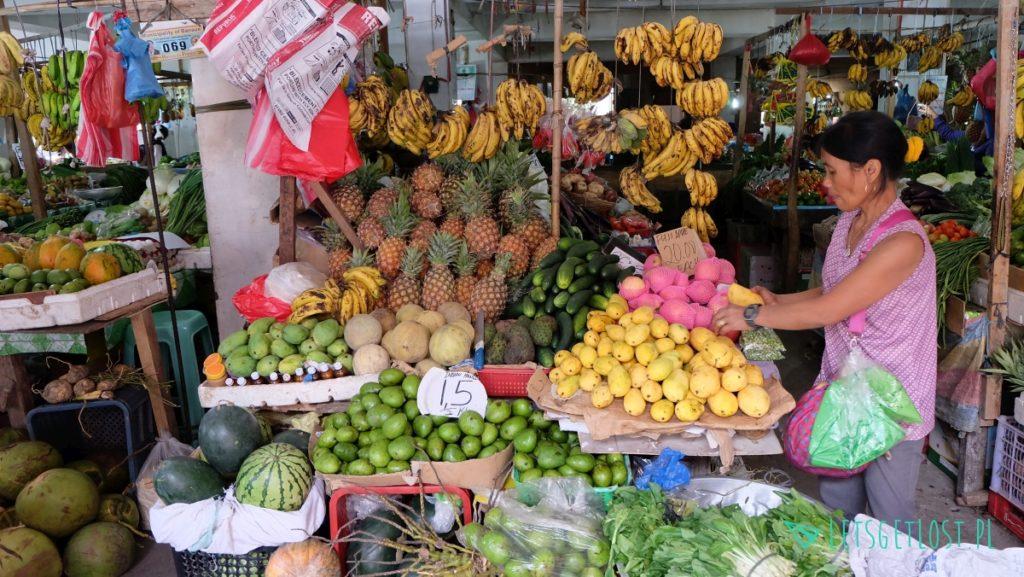 Targ z owocami na Filipinach