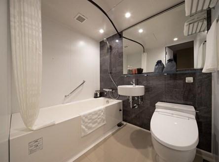 京都河原町三條Resol飯店浴室