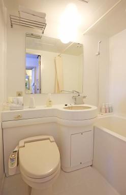 京都微笑酒店浴室
