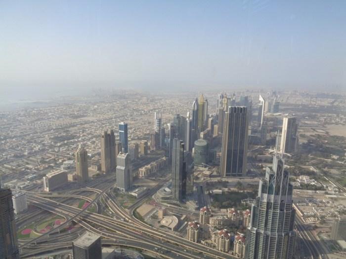 Vista su Dubai dal Burj Khalifa