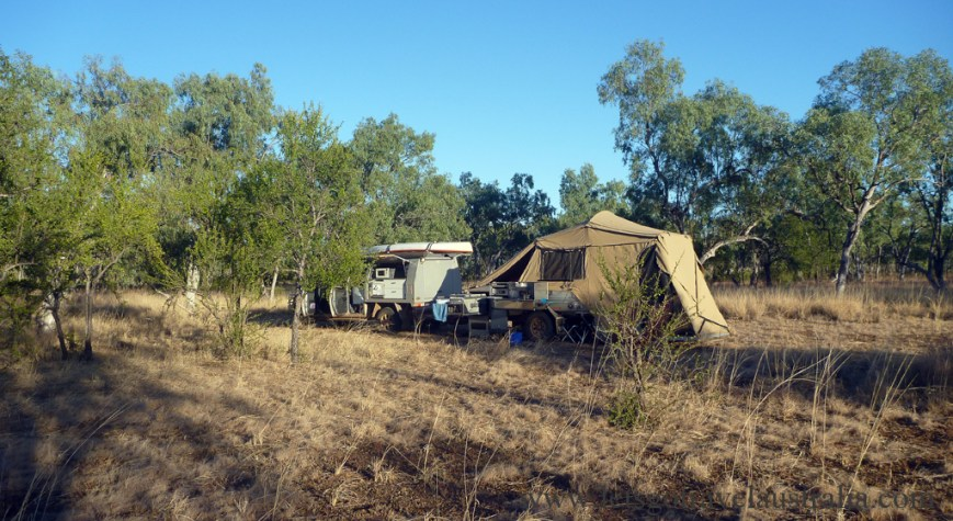 Camping-spot-on-the-way-to-Lawn-Hill