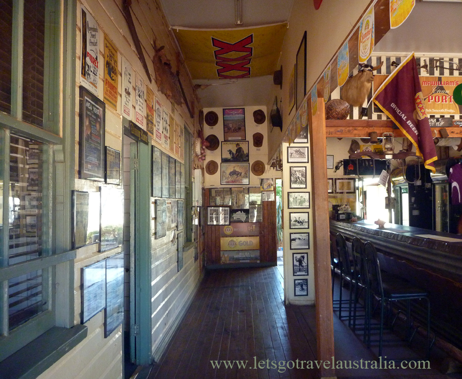 Nindigully-Pub-inside-3