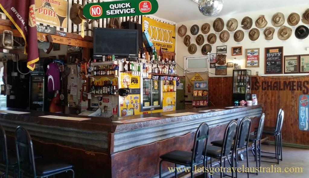 Nindigully-Pub-inside2