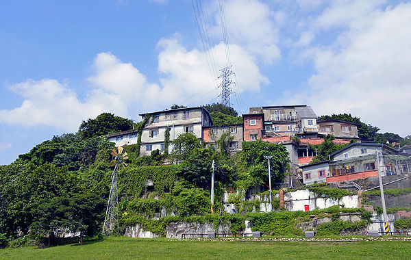 (圖片說明/凱素有國際藝術村的寶藏巖,許多藝術家在此住居。)