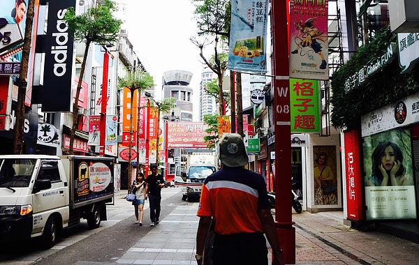 (圖片說明/武昌街是過去享有響亮名聲的「西裝街」,極盛時期街上有高達76家的西裝店。)