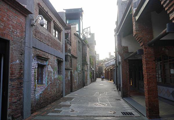 (圖片說明/剝皮寮歷史街區,同時也是電影《艋舺》的片場)