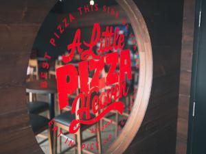 A Little Pizza Heaven-Osborne