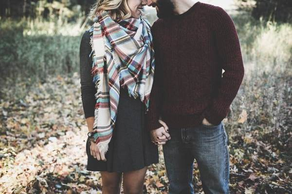 10 Things We Do When We Are in Love - let's reach success
