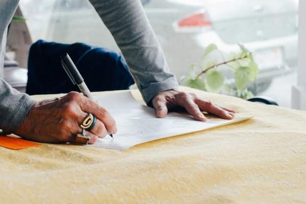 How to Write an Attention Grabbing Business Letter: Beginner's Guide