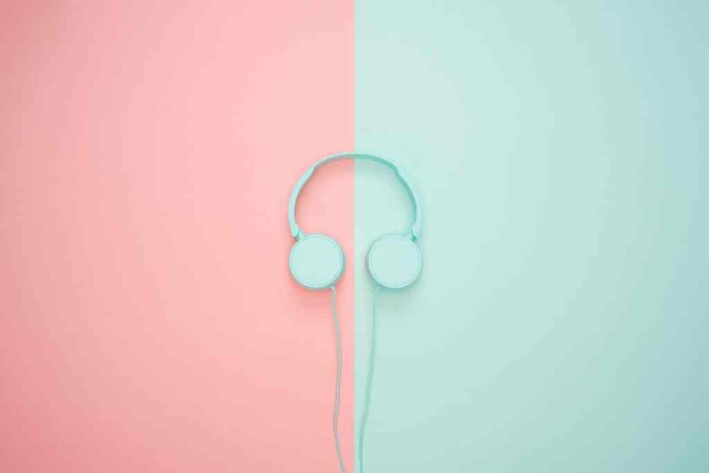 5 Reasons Why Headphones Can Make Your Life Easier