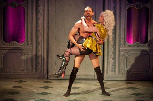 James Fouhey as Loveless and Stephen Stout as Foppington. Photo Aaron Zebrock