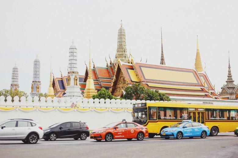 one thing to do in Bangkok is to visit the grand palace