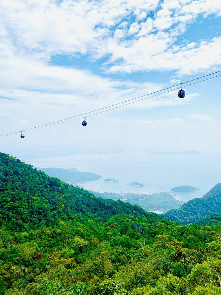 Langkawi Cable car offers a beautiful view of the mountain and the island.