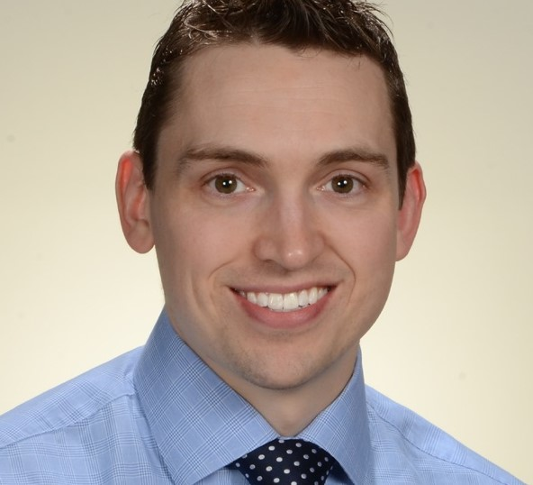 Portrait photo of Dr. Ryan Nipp