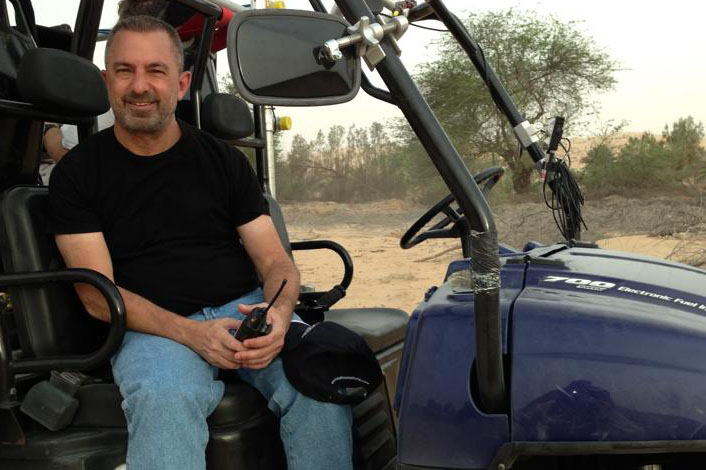 pancreatic cancer patient Glen Trotiner in a Jeep