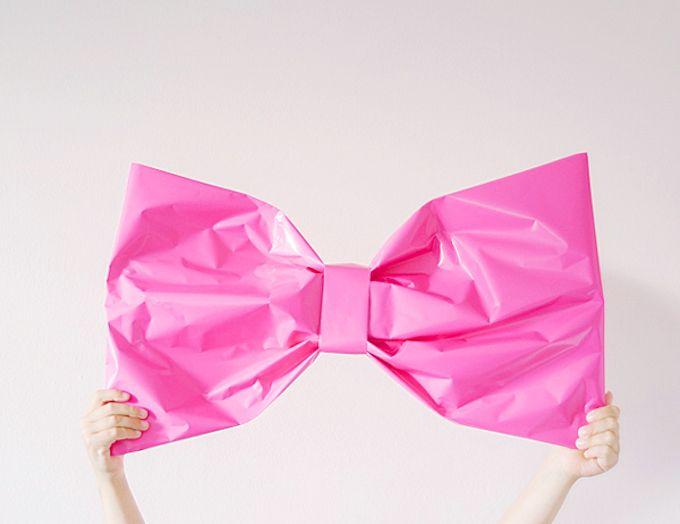 Giant Bow Gift Wrap DIY
