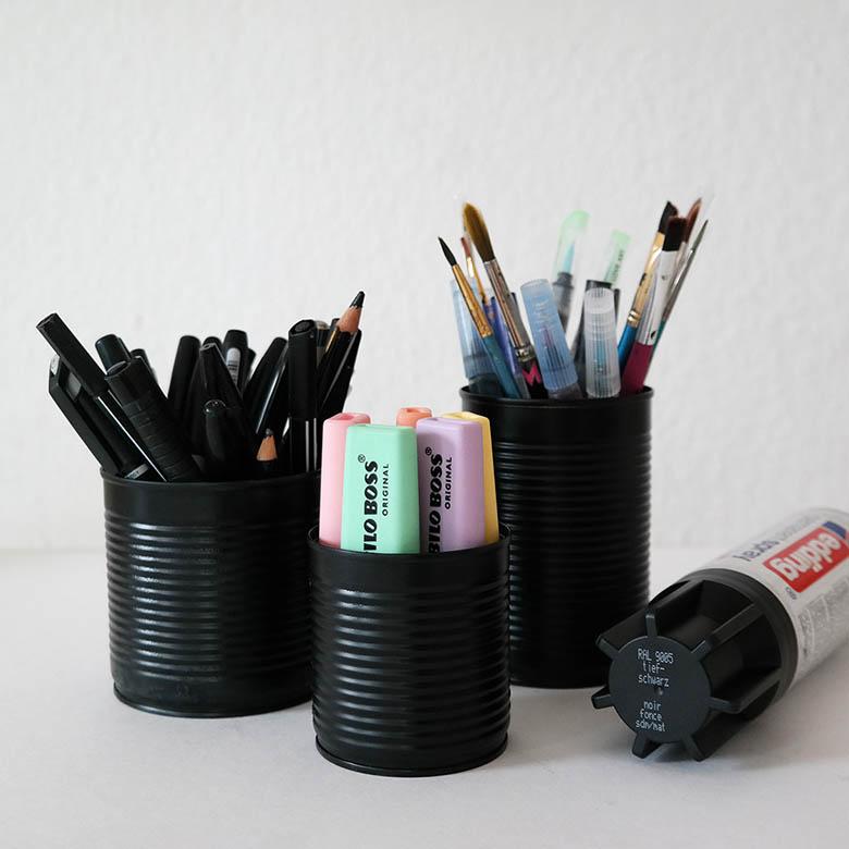 DIY Stiftebecher aus Konservendosen ganz schwrz