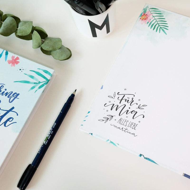 """Bild vom Buch """"Handlettering Alphabete Watercolor"""" schönes Lettering Buch, Autorin: Martina Johanna Janssen"""