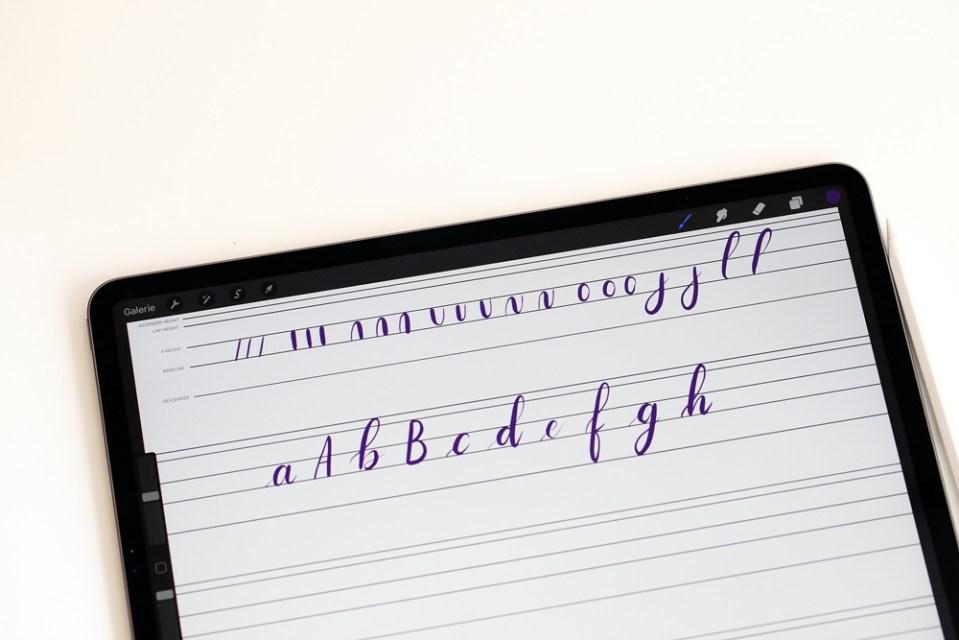 Reprendre les bases du lettering sur iPad